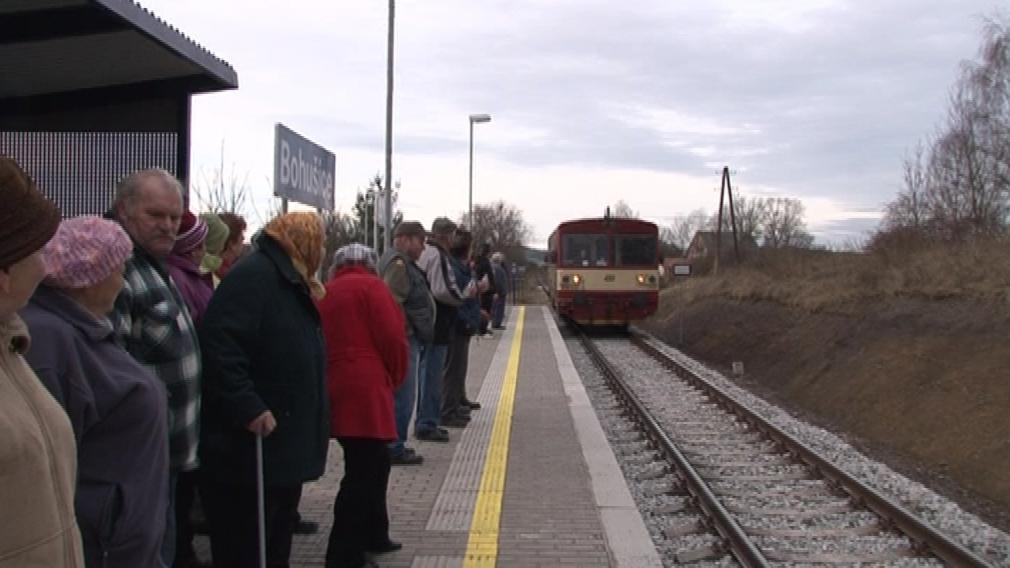 Bohušičtí se vlaku dočkali po 140 letech