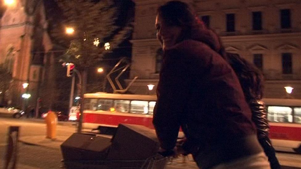 Závodníci s košíky jeli z České na Šilingrovo náměstí