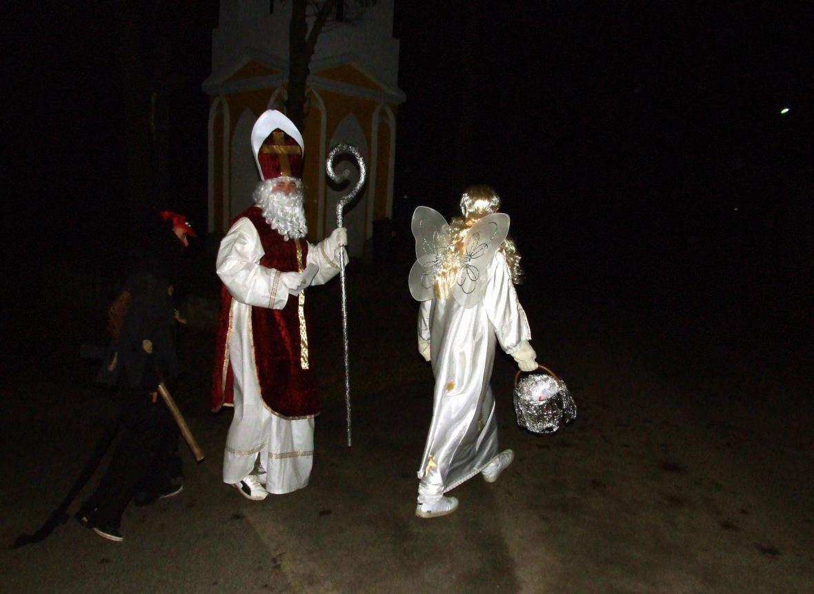 Mikuláš, čerti a anděl v Třebkově na Písecku
