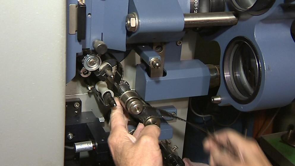 Zakládání filmu do stroje