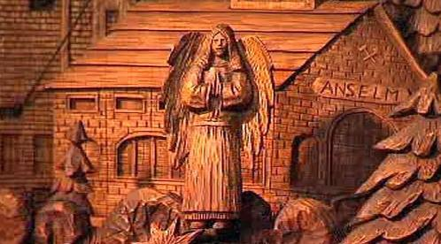 Detail vyřezávaného betlému