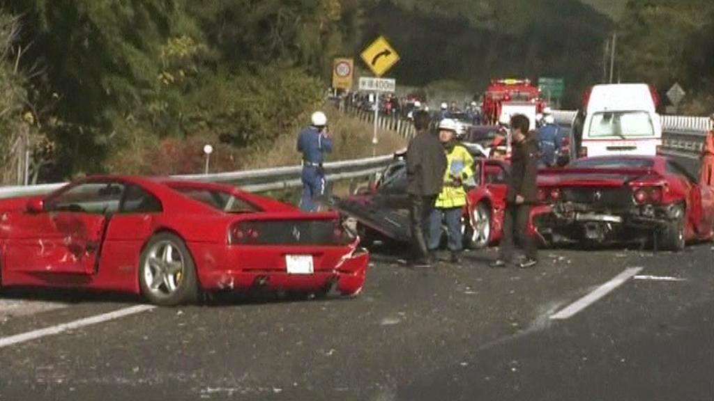 Nehoda luxusních aut v Japonsku