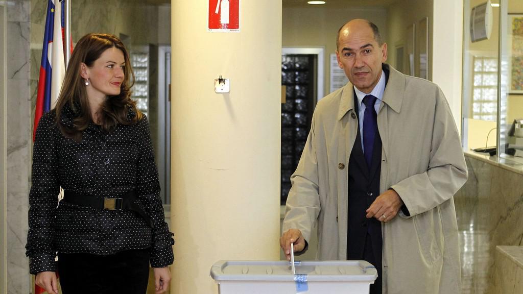 Bývalý slovinský premiér Janez Janša (SDS) s manželkou