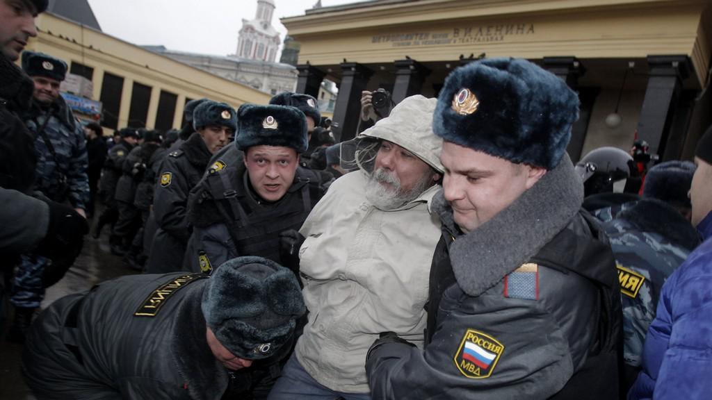 Zatýkání opozice během voleb v Rusku