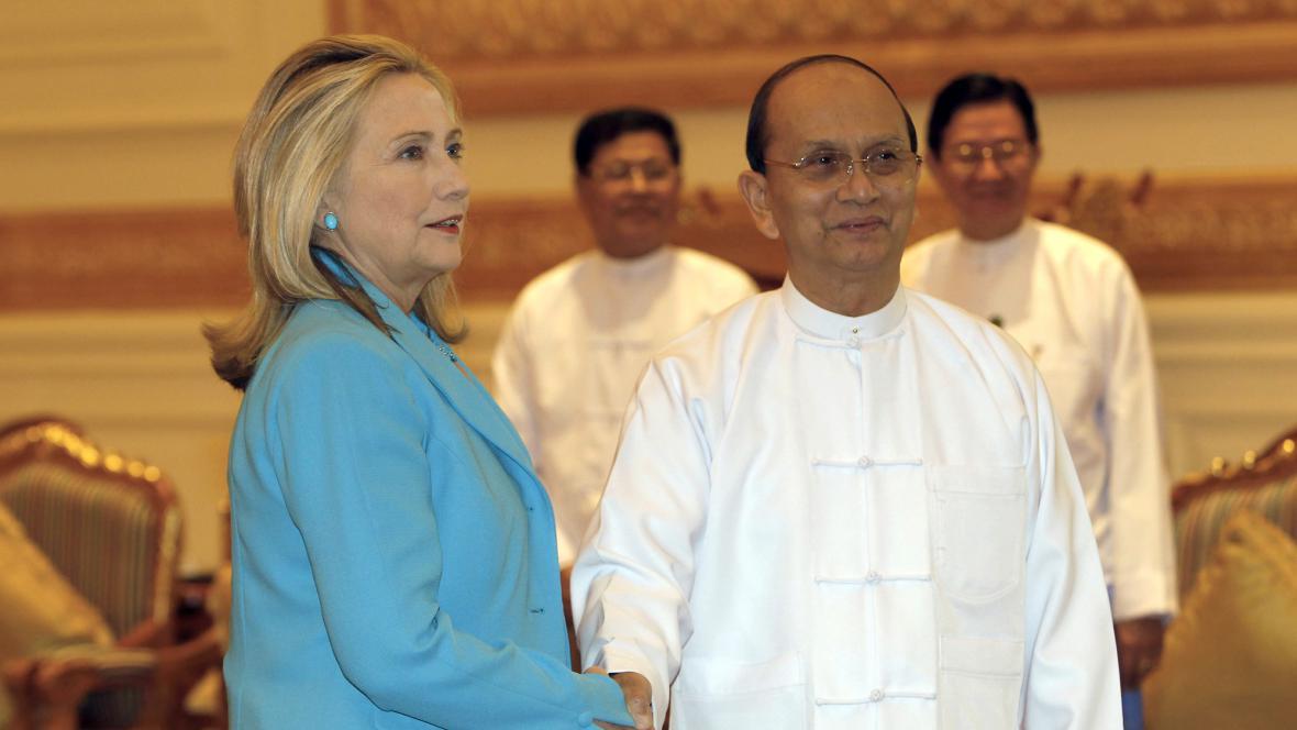 Hillary Clintonová a Thein Sein