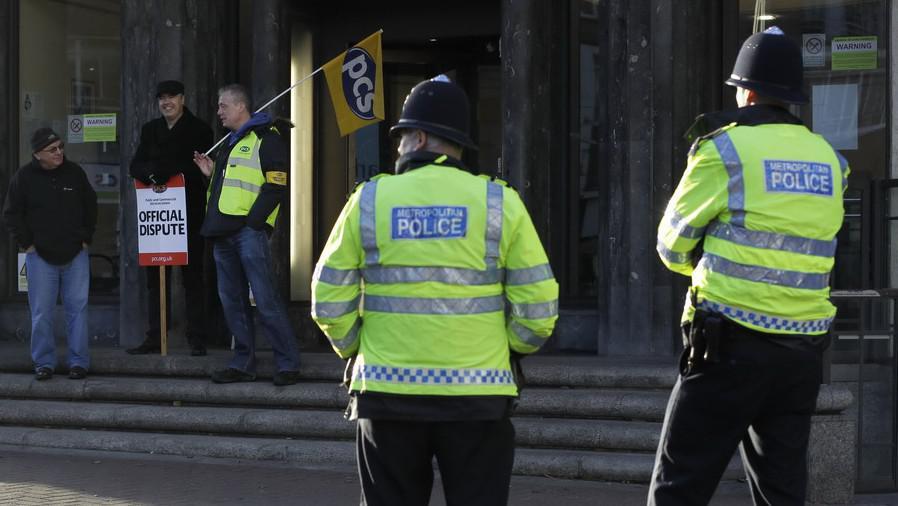 Stávkující zaměstnanci v Británii