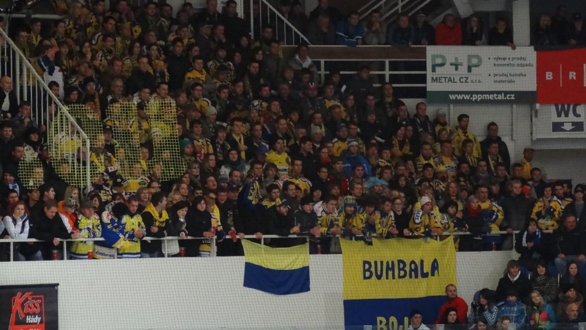Početný kotel fanoušků ze Zlína mohl slavit hubenou výhru