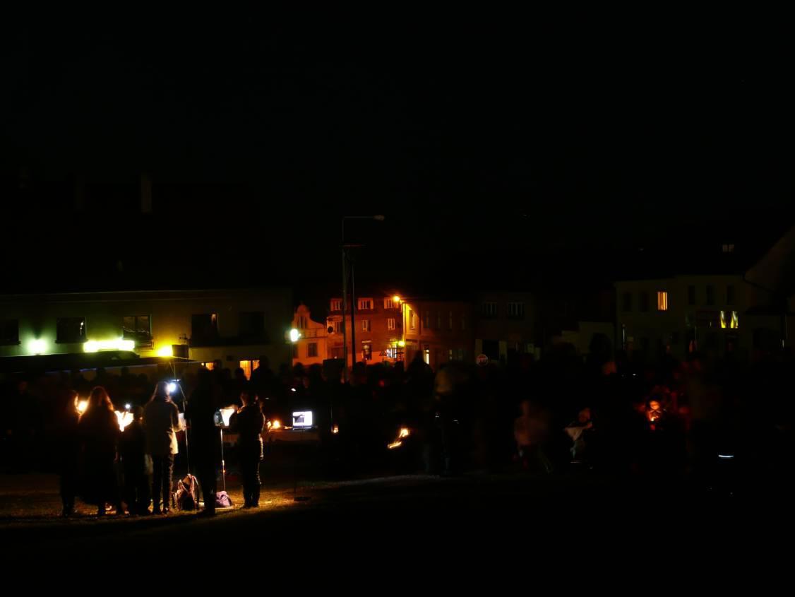 Z rozsvícení světla adventního v Mníšku