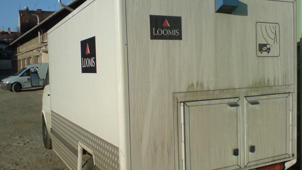 Vozidlo bezpečnostní služby Loomis