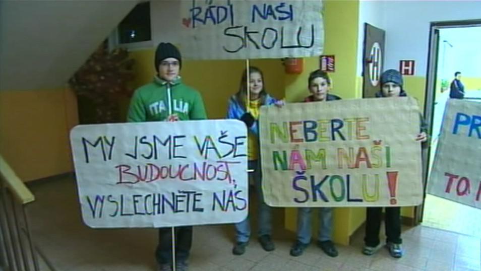 Protest proti zrušení školy