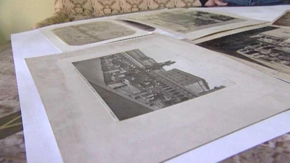Depozitář zámku skrýval staré fotografie