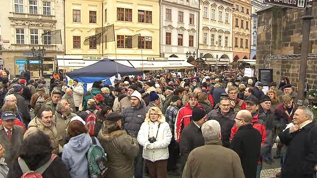 Protesty na Staroměstském náměstí