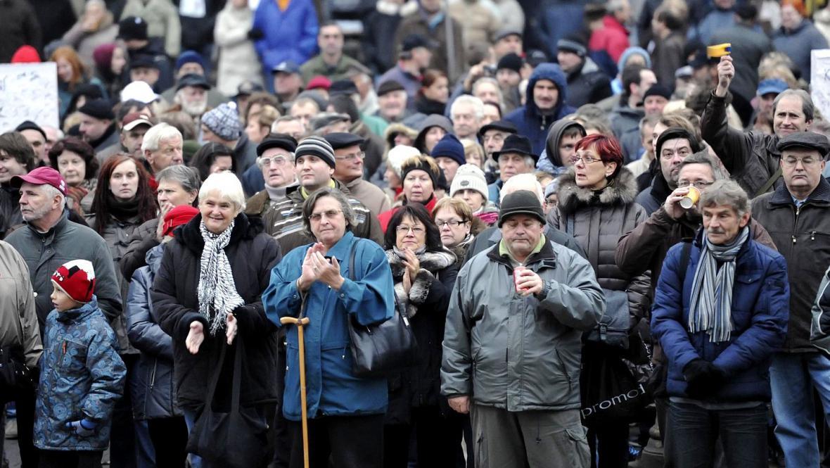 Na Malinovského náměstí v Brně se sešlo asi 500 lidí