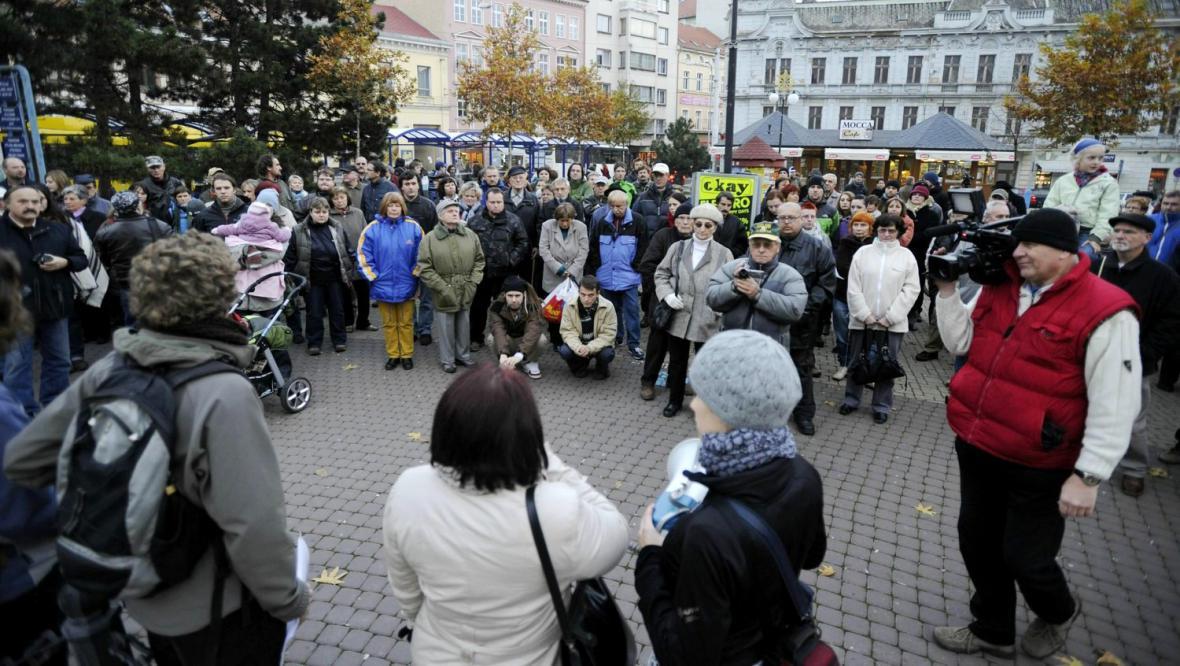 Protest na Benešově náměstí v Teplicích