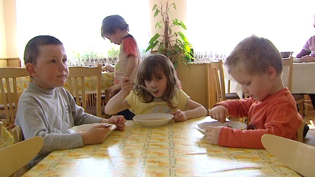 V jídelně