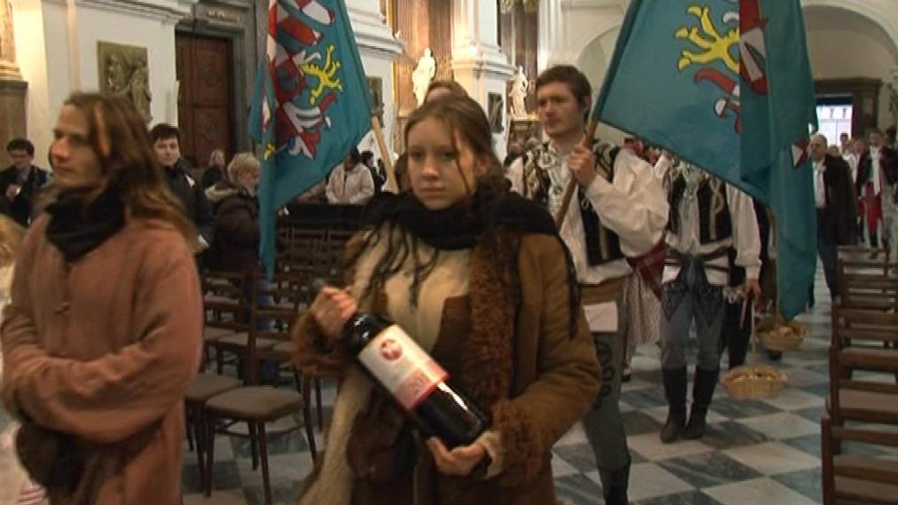 Vínu bylo požehnáno v katedrále svatých Petra a Pavla