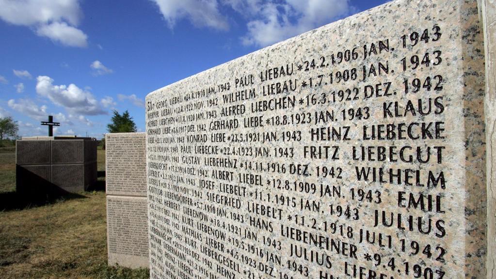 Vojenský hřbitov u Volgogradu
