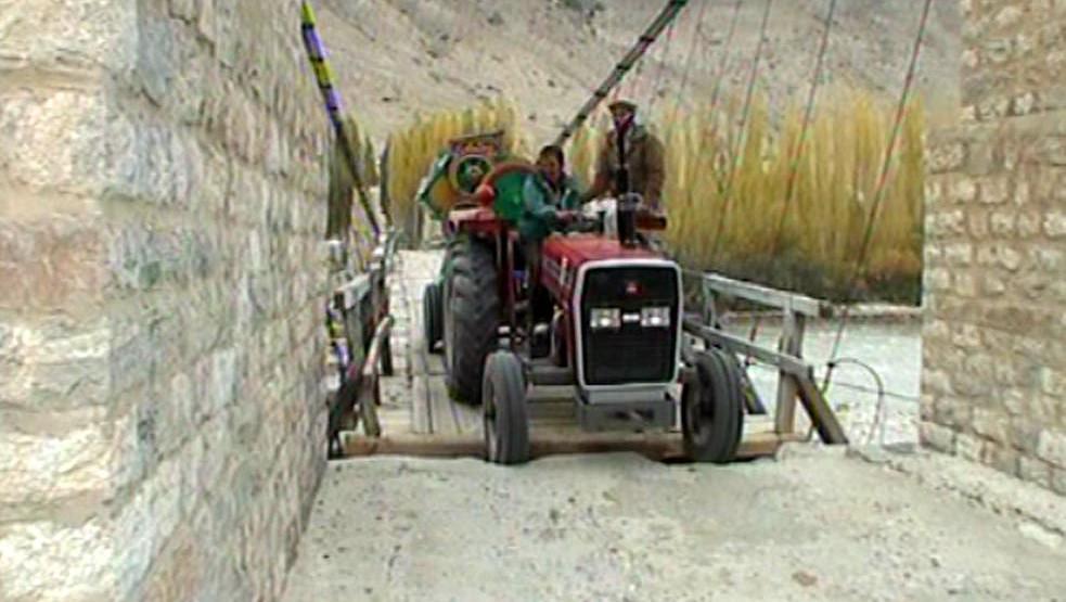 Náročná přeprava zemědělské techniky