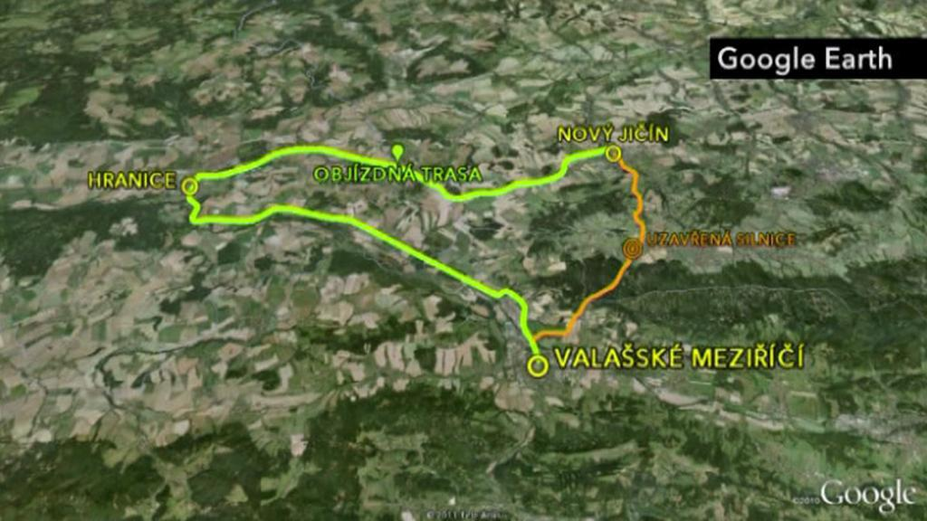 Mapa s objízdnou trasou a uzavřenou částí silnice