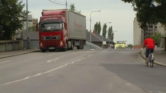 Kamion v centru Bohumína