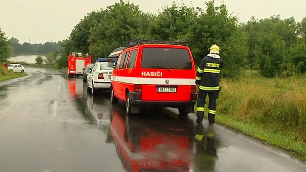 Policie a hasiči u Šenova