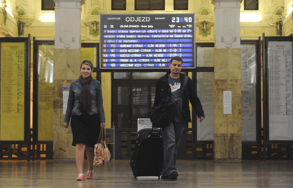 Cestující na bohumínském nádraží