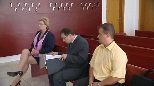 Trojice obžalovaných před soudem