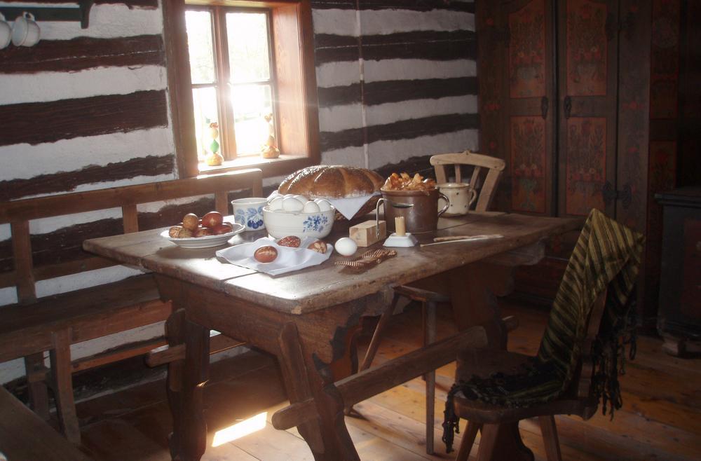 Interiér roubeného domku