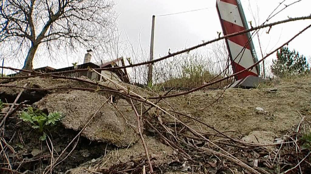 Sesuvy půdy sužují Českou Ves