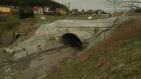 Propadlý tunel - archiv