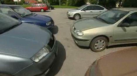 Malé parkoviště v Ostravě-Porubě