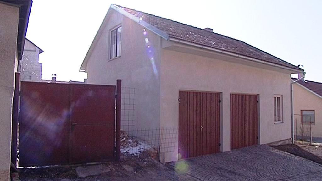 Dvojgaráž Pavla Nováka