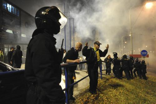 Střet policistů s fotbalovými fanoušky