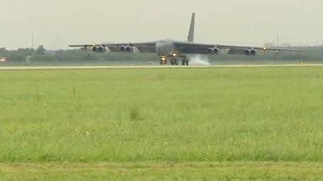 Bombardér B 52
