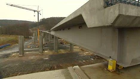 Zastavená stavba nové silnice