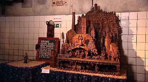 Jeden z vystavených betlémů