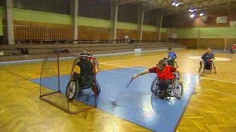 Tomáš Ležoň hraje florbal