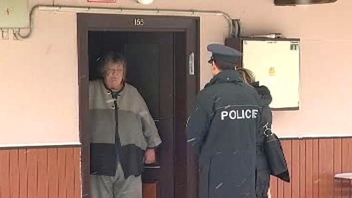 Důchodkyně a policisté
