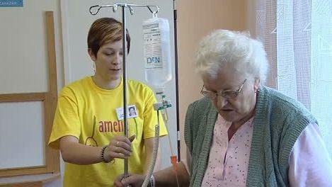 Dobrovolnice se pacientkou