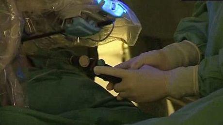 Ovládání operačního robota