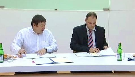 Podpis dohody mezi Zlínem a Želechovicemi