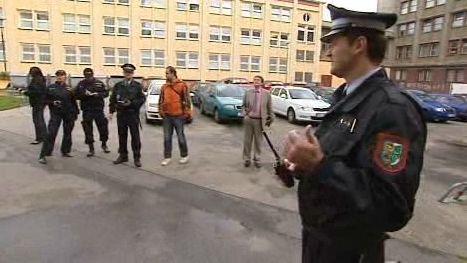 Policisté se chystají na kontrolu