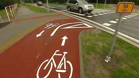 Cyklostezka kolem objezdu
