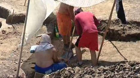 Archeologové při práci