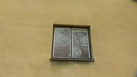Okno, ze kterého se střílelo