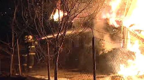 Hasiči bojují s požárem