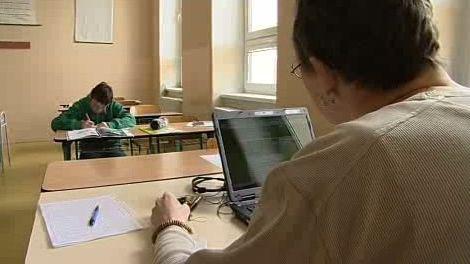 Učitel a žák v záchytné třídě