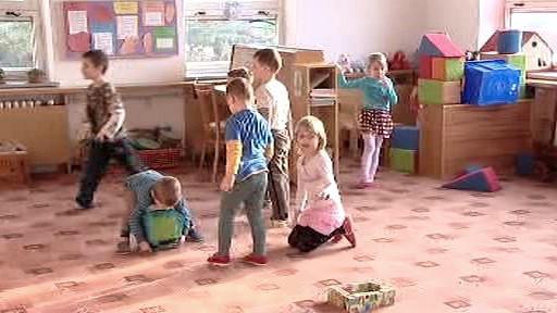 Děti si hrají v mateřské školce