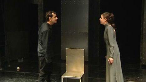 Hamlet v ostravské Aréně