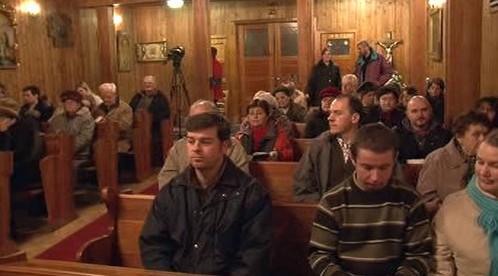 Věřící v blanenském kostele